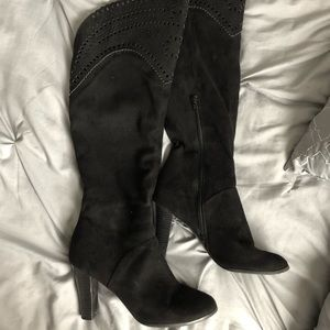 Impo laser cut OTK boots 🖤